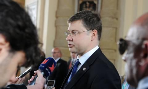 Ντομπρόβσκις: Υποσχέσεις για στήριξη στα κράτη - μέλη της ΕΕ από το Ευρωπαϊκό Νομισματικό Ταμείο