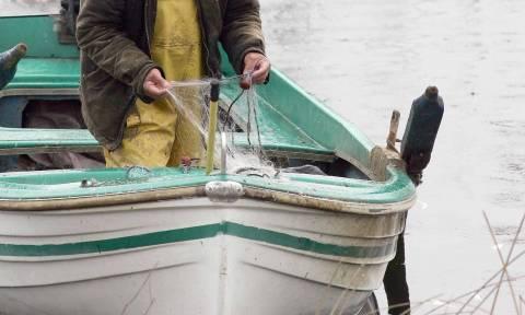 Νεκρός ο ένας από τους ψαράδες στη λίμνη Βόλβη - Αγωνία για την τύχη του δεύτερου