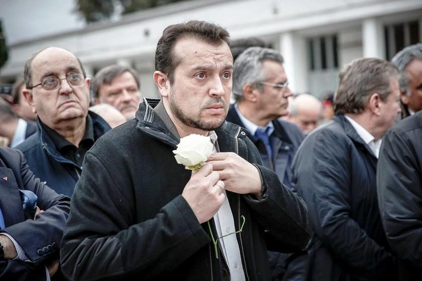 Θλίψη στο «τελευταίο αντίο» στον Θοδωρή Μιχόπουλο (pics)