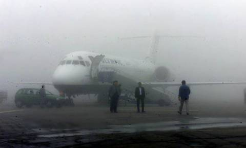Απίστευτη ταλαιπωρία: Ακυρώσεις και καθυστερήσεις πτήσεων λόγω ομίχλης στο αεροδρόμιο «Μακεδονία»