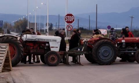 Μπλόκα σε όλη την Ελλάδα αποφάσισαν οι αγρότες
