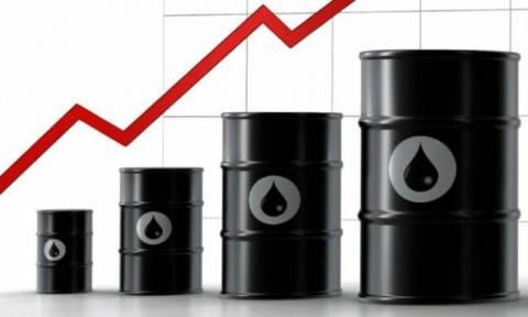 Καλπάζουν οι τιμές του πετρελαίου στις ασιατικές αγορές