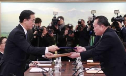 Ιστορική απόφαση: Υπό κοινή σημαία στους Ολυμπιακούς Αγώνες Βόρεια και Νότια Κορέα (vid)