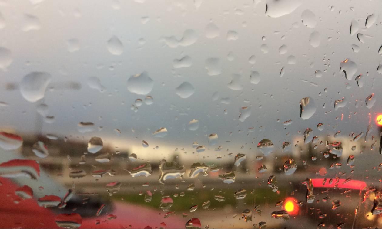 Καιρός τώρα: Σαρώνουν τη χώρα τα μποφόρ - Με βροχές και καταιγίδες η Πέμπτη (pics)