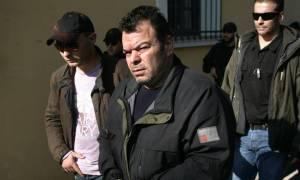 Αποκλειστικό CNN Greece: Θωρακισμένο το όχημα του Στεφανάκου γι' αυτό τον πυροβόλησαν με καλάσνικοφ
