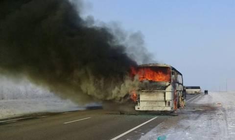 Τραγωδία στο Καζακστάν: 52 επιβάτες λεωφορείου κάηκαν ζωντανοί – Συγκλονιστικές εικόνες