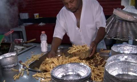Μεγάλος μάστορας! Το βίντεο που θα «σκλαβώσει» τους λάτρεις της τηγανητής πατάτας!
