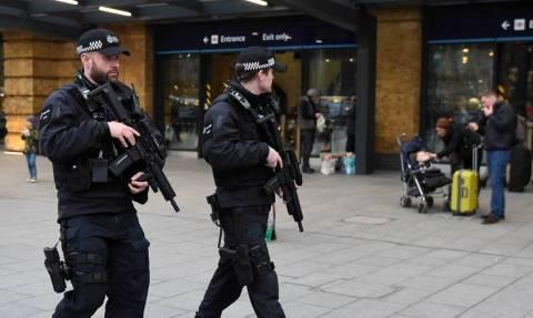 Βρετανία: Συναγερμός για ύποπτο δέμα στον σιδηροδρομικό σταθμό Κινγκς Κρος στο Λονδίνο (Pics)