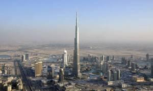 Απίστευτο θέαμα στον ουρανό του Ντουμπάι (vid)
