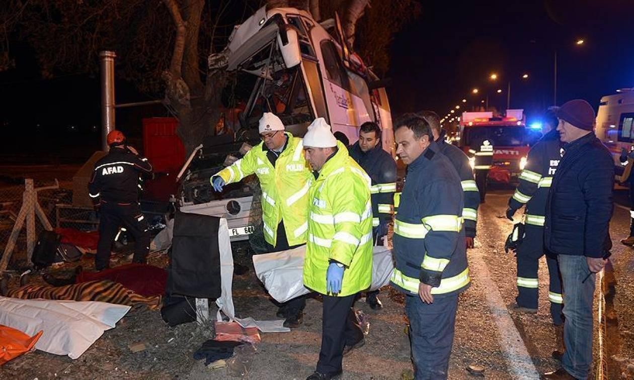 Τραγωδία στην Τουρκία: Πολύνεκρο τροχαίο με λεωφορείο στο Εσκισεχίρ (Pics)