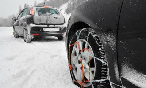 Κακοκαιρία: Απαραίτητες οι αλυσίδες στους δρόμους προς το χιονοδρομικό κέντρο Βόρας