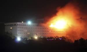 Καμπούλ: Τουλάχιστον πέντε νεκροί από την εισβολή ενόπλων σε ξενοδοχείο