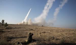 Συνεχίζεται η εισβολή των Τούρκων στη Συρία: Ανηλεείς βομβαρδισμοί αμάχων (Vids)