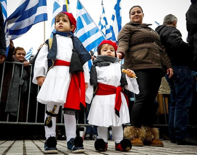 Συλλαλητήριο Θεσσαλονίκη: Όταν ο παπα - Ανδρέας από τα Ανώγεια καθήλωσε το πλήθος