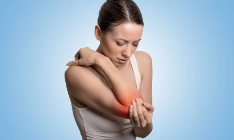 Φλεγμονή στις αρθρώσεις: Τι πρέπει να τρώτε για να μειώσετε τους πόνους
