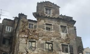 Κέρκυρα: Επικίνδυνα κτήρια – φαντάσματα στην παλιά πόλη (pics)