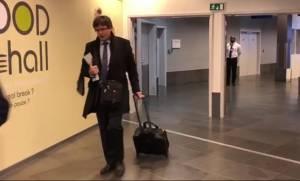 Στη Δανία μεταβαίνει ο Πουτζντεμόν – Να συλληφθεί κατά την άφιξή του ζητά η Ισπανία (Vid)