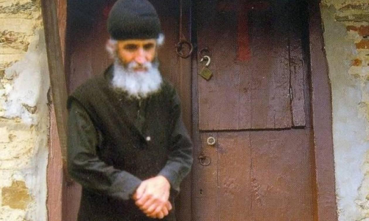Αγιος Γέροντας Παΐσιος: Αυτό ήταν το κελί του (video)