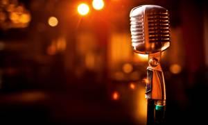 ΣΟΚ! Διάσημος τραγουδιστής εγκαταλείπει τη μουσική σκηνή γιατί διαγνώστηκε με Πάρκινσον (Pics)