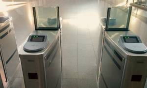 Μετρό: Πώς θα βγάλουν προσωποποιημένες κάρτες άνεργοι και ΑμεΑ