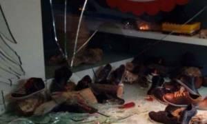 Χανιά: «Κόλλησε» το γκάζι και καρφώθηκε σε βιτρίνα καταστήματος