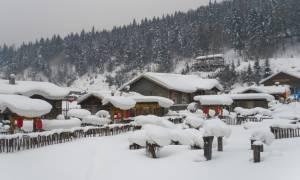 Σε «πορτοκαλί» συναγερμό η Κίνα: Σφοδρές χιονοθύελλες σαρώνουν τη χώρα (Pics+Vids)