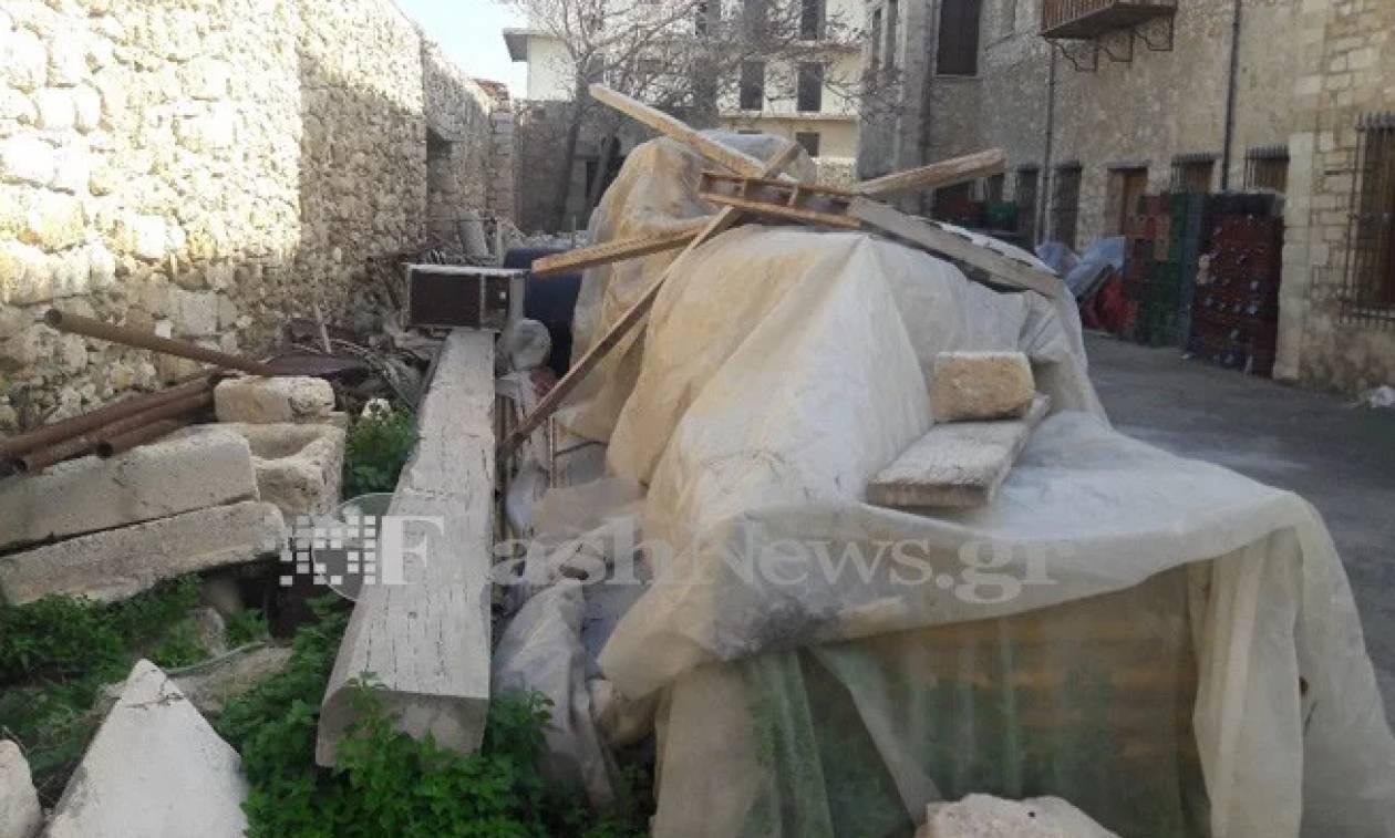 Απίστευτες εικόνες στην Κρήτη! Αρχαία πεταμένα ανάμεσα σε καλοριφέρ και σωλήνες (pics)