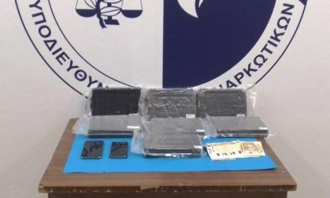 Σύλληψη νταλικέρη για μεταφορά και εισαγωγή 7 κιλών κοκαΐνης στη χώρα (pics)