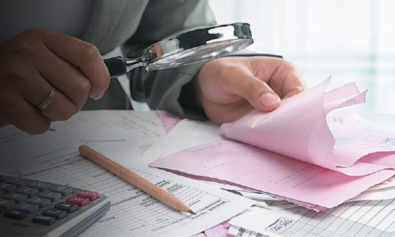 «Λαβράκια» φοροδιαφυγής από έλεγχο της ΑΑΔΕ: Ανεπάγγελτος με καταθέσεις 800.000 ευρώ