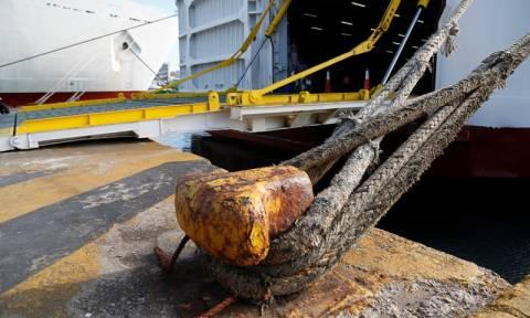 Ικαρία: Σοβαρός τραυματισμός ναυτικού - Έσπασε ο κάβος κατά τον απόπλου πλοίου