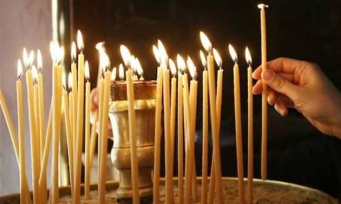 Ανάβετε κερί στην εκκλησία; Να, τι πρέπει να λέτε...
