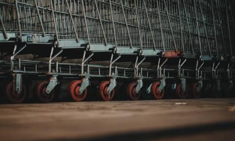 «Μονομαχίες» και άγριο ξύλο στα ράφια των σούπερ μάρκετ για πασίγνωστη σοκολατένια λιχουδιά (vids)