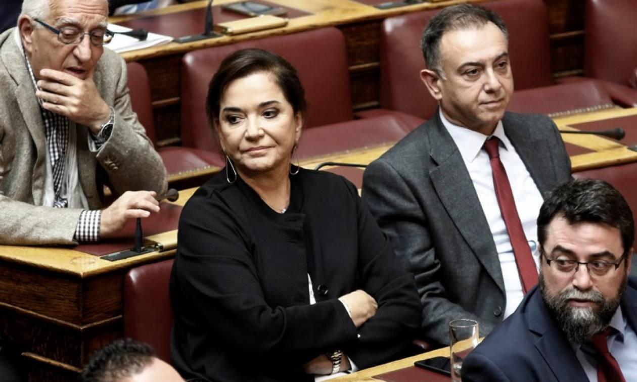 Βουλή: Τι καταγγέλλει η Ντόρα Μπακογιάννη για τους πλειστηριασμούς
