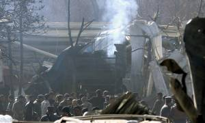 «Σφαγή» στην Καμπούλ: Τουλάχιστον 95 νεκροί από βομβιστική επίθεση με παγιδευμένο ασθενοφόρο (pics)