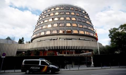 Ισπανία - Συνταγματικό Δικαστήριο: Πρέπει να γυρίσει για να εκλεγεί ο Πουτζντεμόν