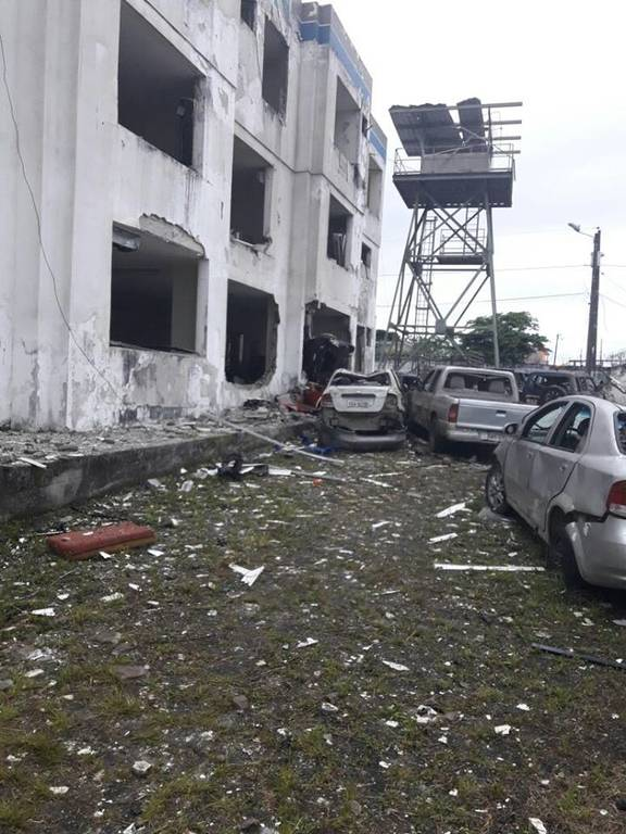 Ισημερινός: 28 τραυματίες και τετάστιες καταστροφές από έκρηξη παγιδευμένου αυτοκινήτου (pics+vid)