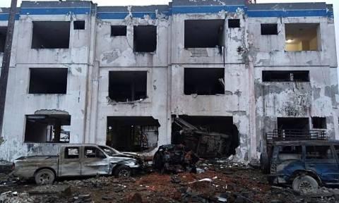 Ισημερινός: 28 τραυματίες και τεράστιες καταστροφές από έκρηξη παγιδευμένου αυτοκινήτου (pics+vid)