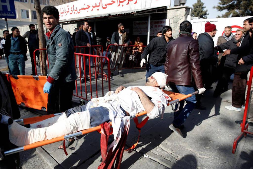 Αφγανιστάν: Ξεπέρασαν τους 100 οι νεκροί του μακελειού στην Καμπούλ (pics)
