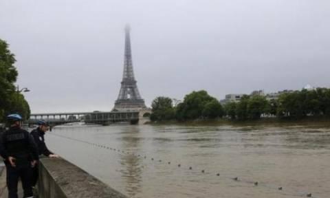 Συναγερμός στο Παρίσι: 1500 πολίτες εγκατέλειψαν τα σπίτια τους