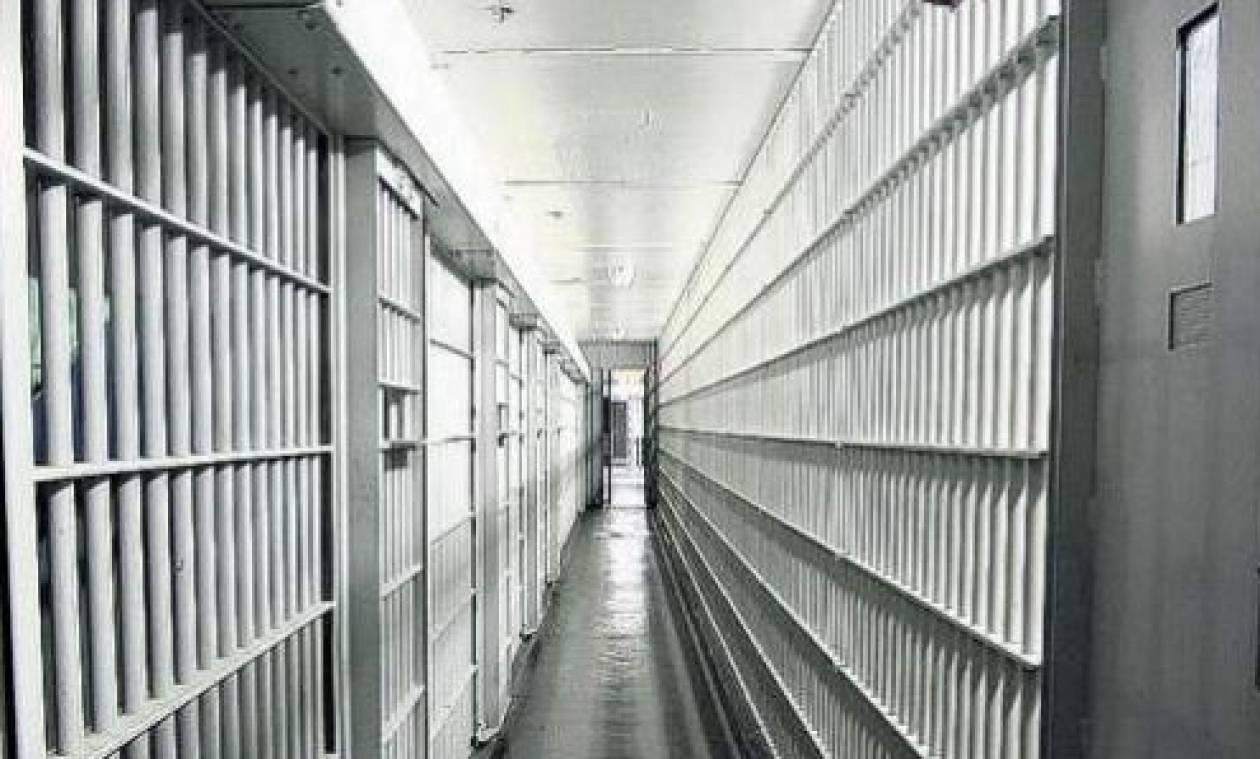Νεκροί δέκα κρατούμενοι από συγκρούσεις συμμοριών σε φυλακή στη Βραζιλία