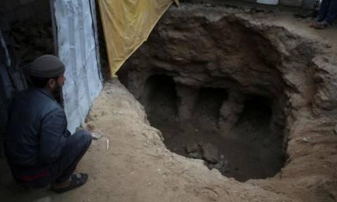 Συγκλονιστική αποκάλυψη! Η βροχή έφερε στο φως τάφους από την εποχή του Χριστού (Pics)