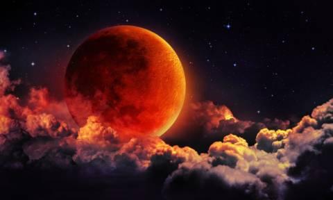 Είσαστε έτοιμοι; Στον ουρανό της Ελλάδας το Σούπερ Μπλε Ματωμένο Φεγγάρι έπειτα από 152 χρόνια