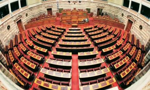 Βουλή: Άγριος καβγάς Βορίδη με Καββαδία - Χριστοδουλοπούλου (vid)
