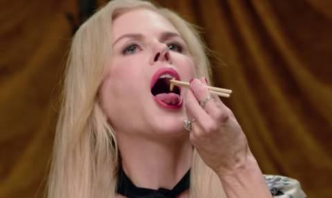 Γνωστή ηθοποιός τρώει γρύλους και σκουλήκια και ισχυρίζεται ότι θα νικούσε στο Survivor (vid)