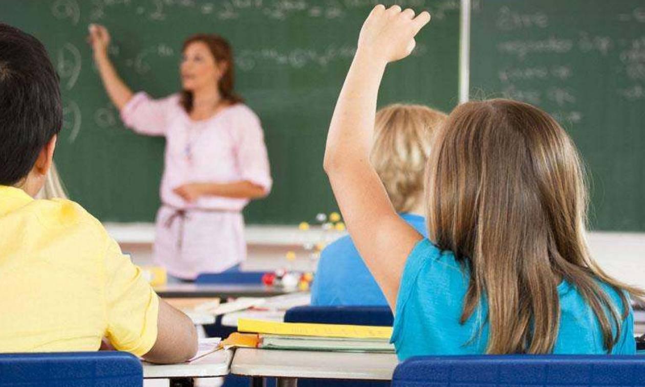 Ωράριο εκπαιδευτικών: Τι αλλάζει για δασκάλους και καθηγητές