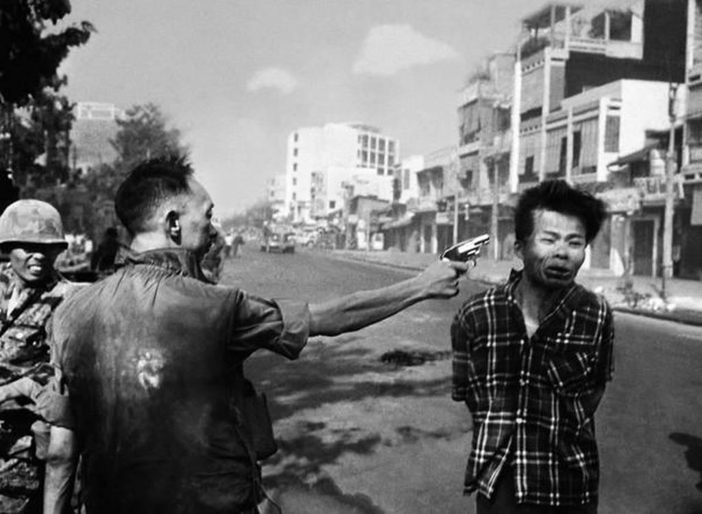 Σαν σήμερα το 1968 τραβήχτηκε η φωτογραφία που άλλαξε το πρόσωπο του πολέμου στο Βιετνάμ
