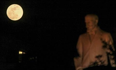 Blue moon: Η πιο μαγική πανσέληνος των τελευταίων 152 ετών! (pics+vids)