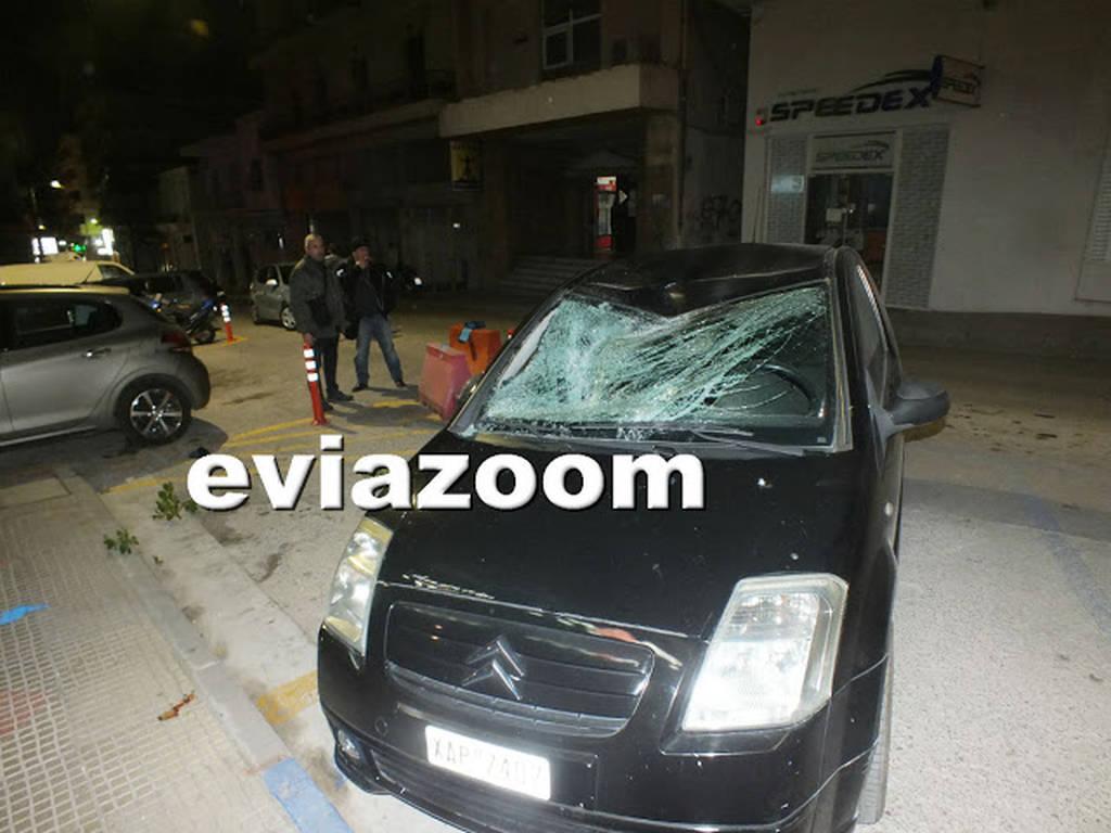 Σοκ στη Χαλκίδα: Έπεσε από τον τέταρτο όροφο πάνω στο αυτοκίνητό του! (pics&vid)