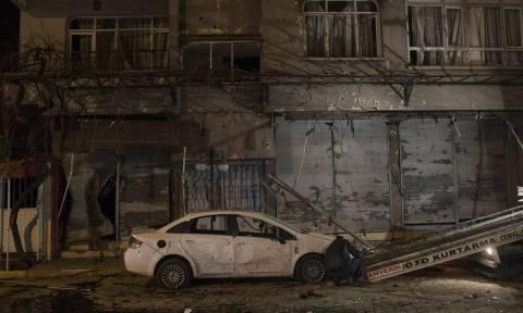 Τουρκία: Δύο νεκροί και 16 τραυματίες από ρουκέτες που εκτόξευσαν οι Κούρδοι