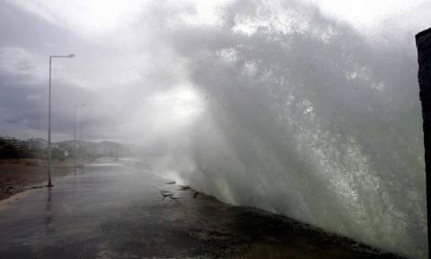 Η ΕΜΥ προειδοποιεί: Έκτακτο δελτίο επιδείνωσης καιρού – Πού και πότε θα χτυπήσει η κακοκαιρία